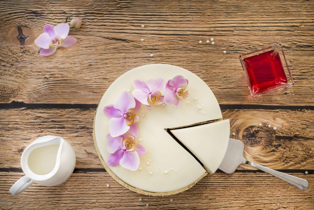 orchideli-tort panna cotta, bez pieczenia, lekki tort bez pieczenia