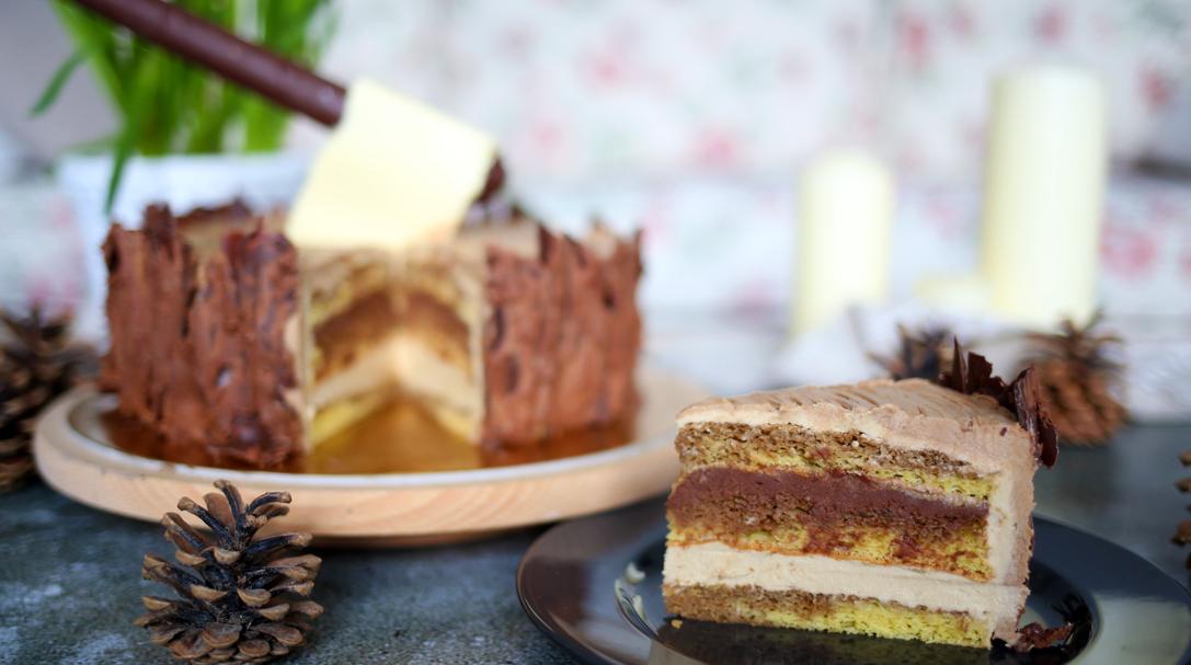 orchideli, tort opera, czekoladowo-kawowy z czekoladową siekierą, tort pieniek drzewa