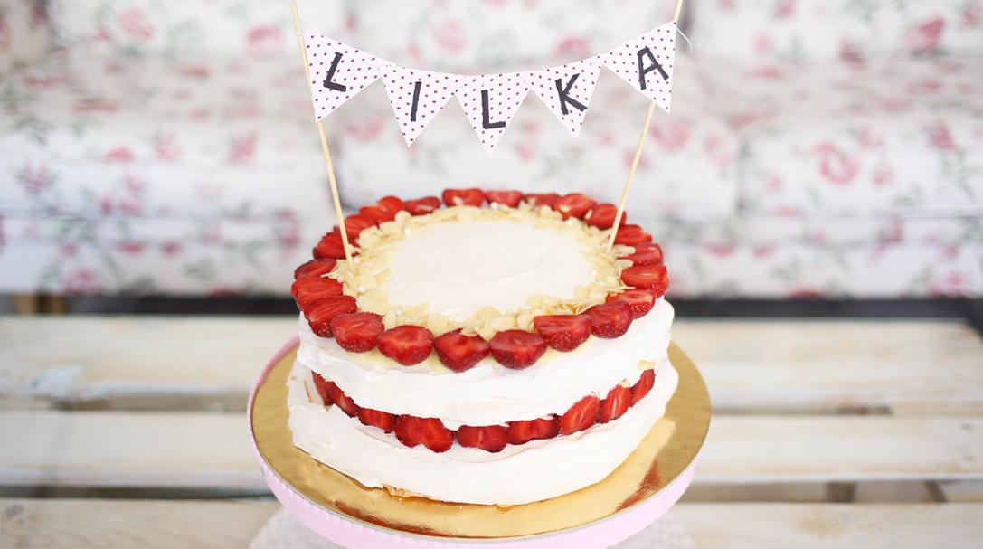 orchideli, przepis na tort bezowy z truskawkami, lekki, prosty tort urodzinowy, ciasto na lato