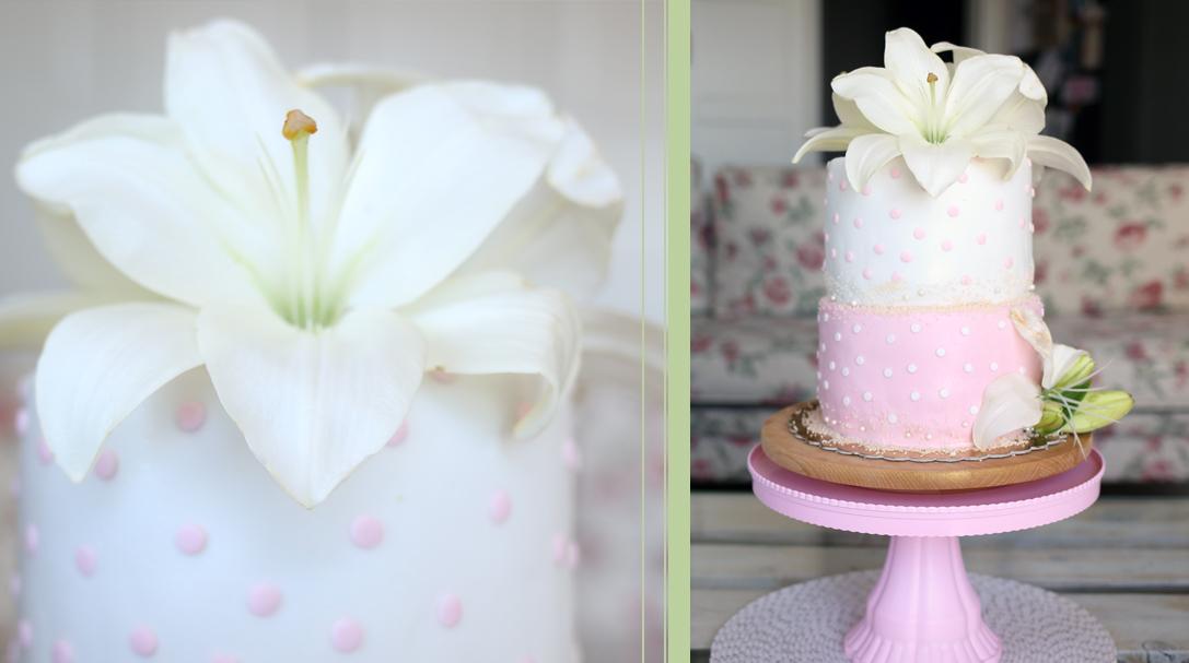 orchideli, tort chrzcinowy z liliami, przepis na tort czekoladowo-truskawkowy