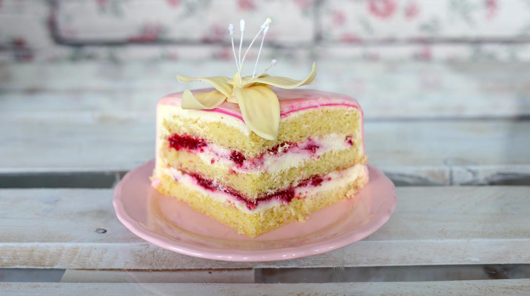 orchideli, tort malinowy marmurkowy, lekki tort z malinami i mascarpone, tort dla dzieci, na chrzciny dla dziewczynki