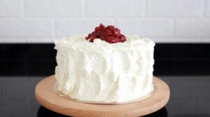 orchideli, przepis na tort szwarcwaldzki, tort szwardzwaldzki, tort z wiśniami i bitą śmietaną