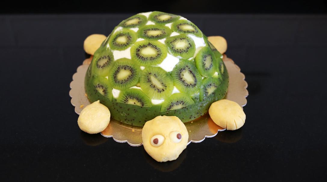 orchideli, przepis na ciasto żółw, ciasto z kiwi, ciasto z owocami, tort żółw dla dzieci