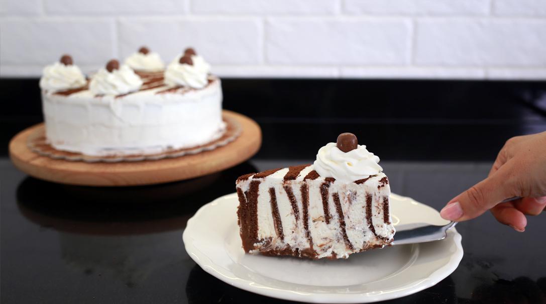 orchideli, Przepis na torcik zebra z mleczną kanapką, przepis na prosty tort urodzinowy dla dziecka, prosty tort bez pieczenia, przepis na ciasto na dzień ojca