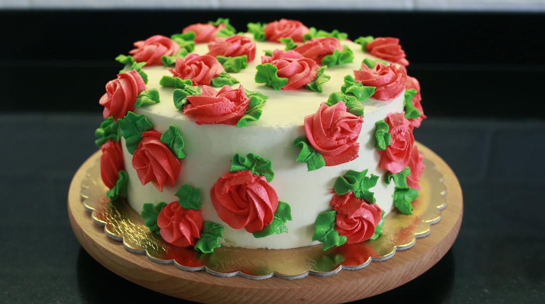 orchideli, przepis na tort makowy z truskawkami, biszkopt z makiem, przepis na tort urodzinowy dla dziecka