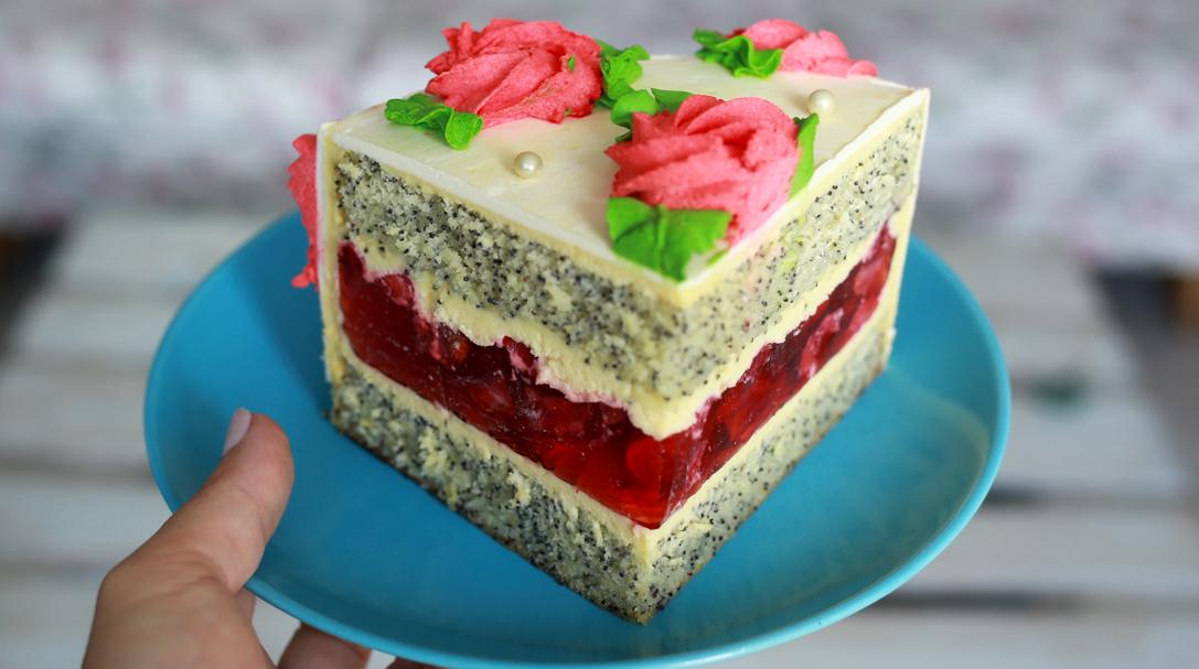 Рецепт макового торта с клубникой