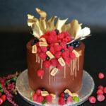 orchideli, przepis na tort czekoladowy z galaretką malinową