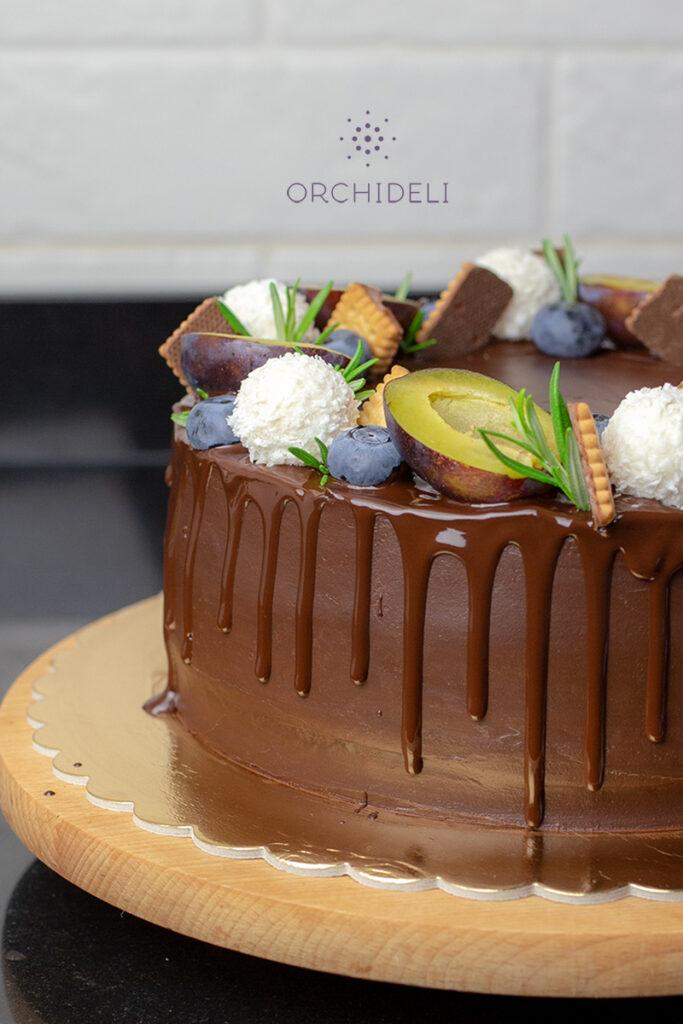 orchideli, przepis na tort urodzinowy, tort śliwkowy