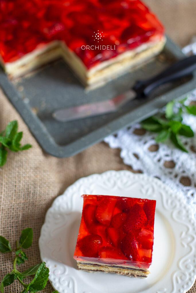 ciasto bez pieczenia z galaretką i truskawkami orchideli